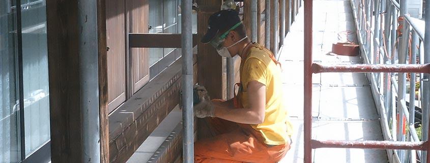 Levigatura legno prima della verniciatura