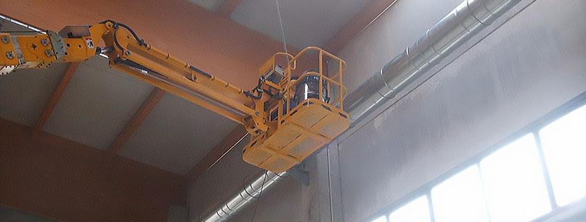 Servizi per interni, pulizia capannone