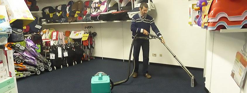 Servizi per interni, pulizia moquette